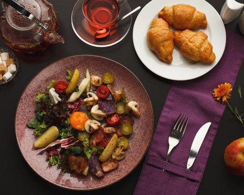 restaurant-breakfast-with-warm-potato-salad-Q2UFGVP-1
